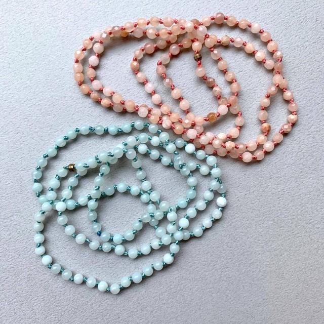 淡カラー天然石のネックレス(ピンク/水色)