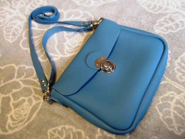 【新作・待望のマチ付きタイプ】文庫本とお財布持ってちょっとお出かけショルダーバッグ