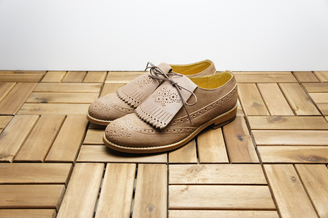 FULL BROGUE SHOES with KILTIE TONGUE (WAXED SUEDE)