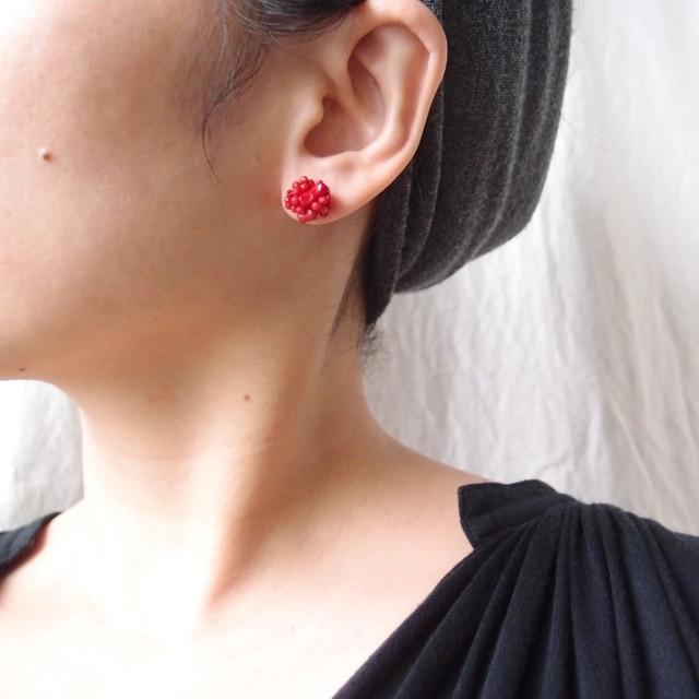 【天然石の刺繍ピアス】red coral mix(S)