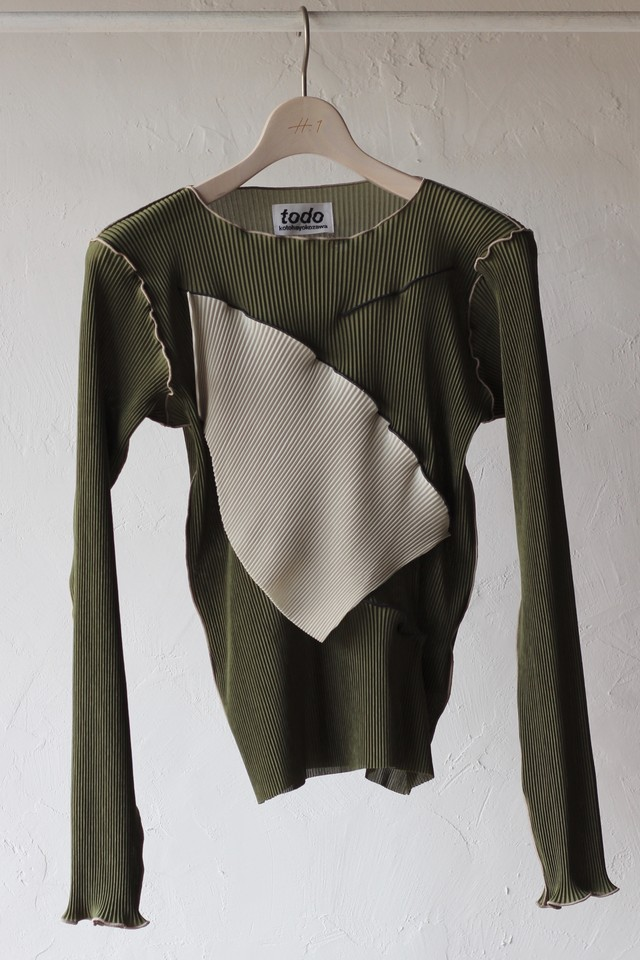 【KOTOHAYOKOZAWA】pleats top long sleeve-khaki