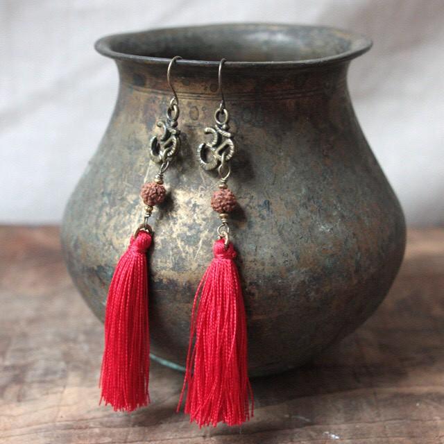 ピアス -rudraksha × pure red-