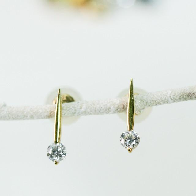 ダイヤモンドのピアス K18 0.1CTx2