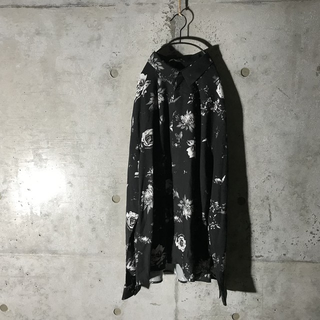 [used] white rose designed mode shirt m