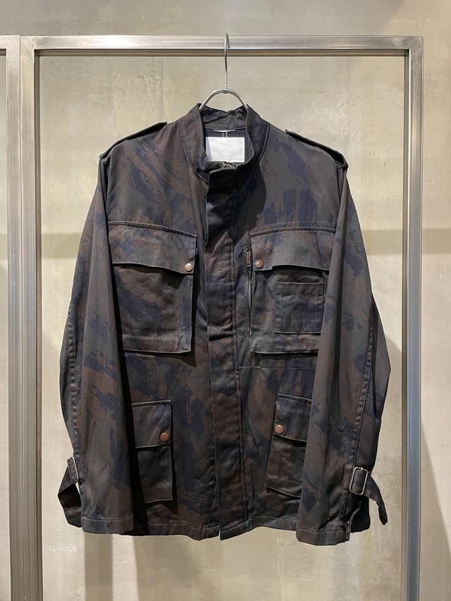 TrAnsference lizard camouflage jacket - dark plum garment dyed