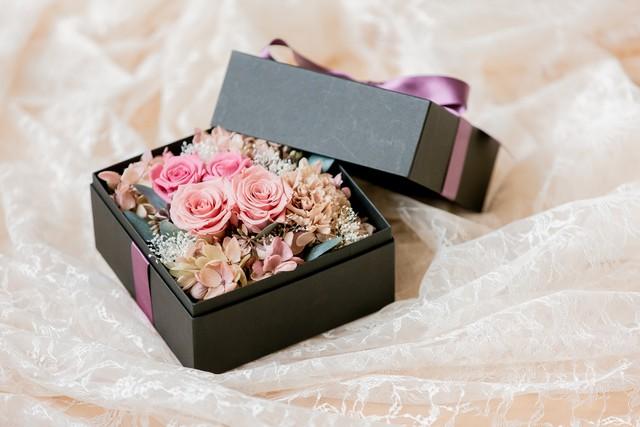 【BOXフラワー】モーブピンクのバラのプリザーブドフラワーアレンジメント