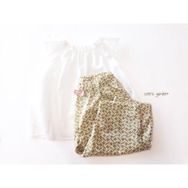 夏のトップス+タックパンツセット☀︎ /ホワイト×花柄