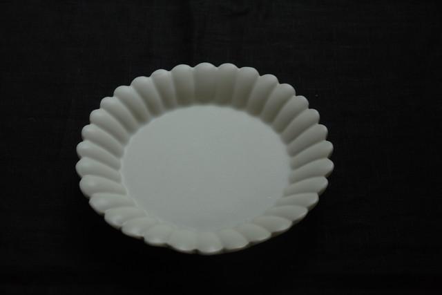 白磁輪花デザート皿 (中)