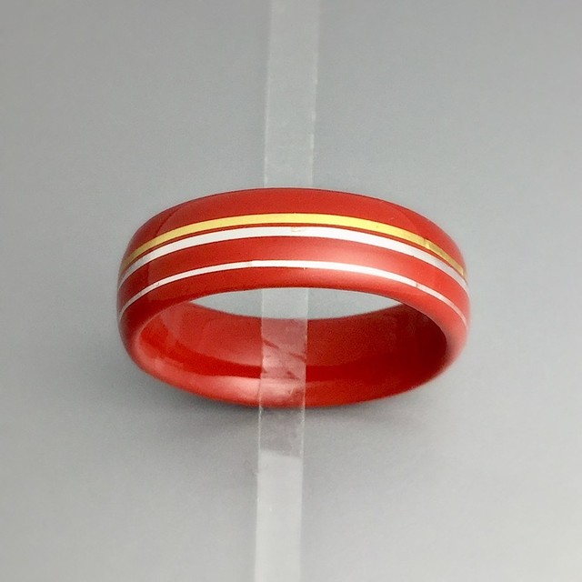 朱漆と金箔プラチナ箔の指輪 : Ring of vermilion lacquer andthe gold leaf platinum leaf
