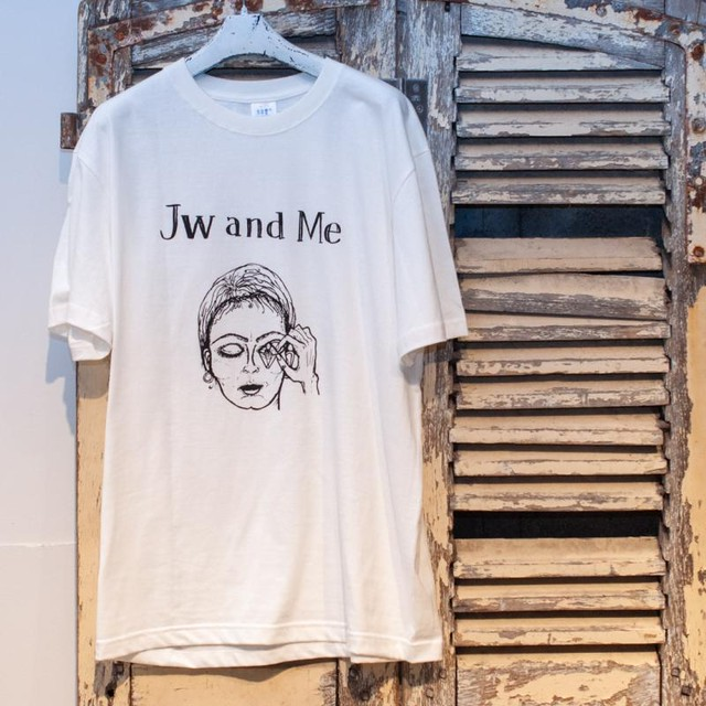 "me faire【ミ・フェール】""Jw and Me""T-shirt (white)"