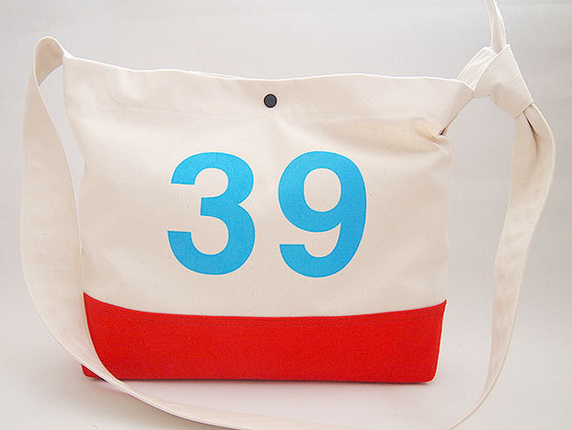 "39 2WAY ショルダー バッグ ""2WAY SHOULDER BAG""  (OFF WHITE / RED)"