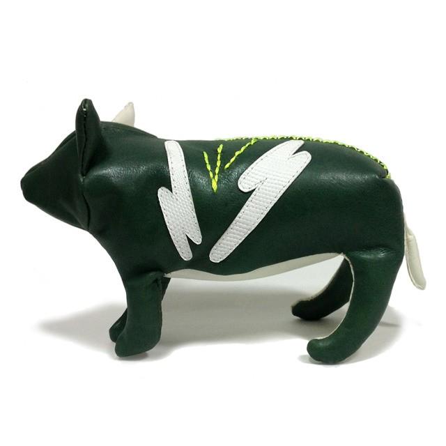 TOY PIG