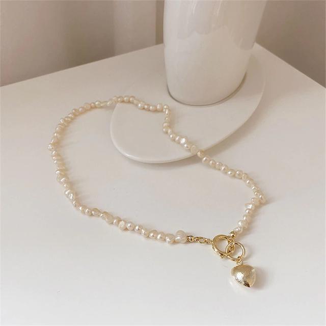 Irregular pearl gold heart necklace
