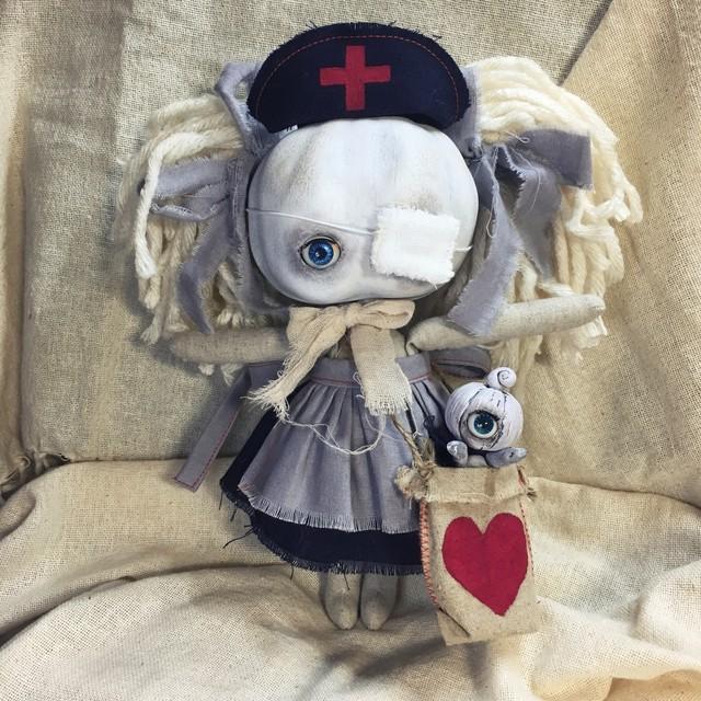 かぼちゃあたまの子(黒看護師さんごっこ)