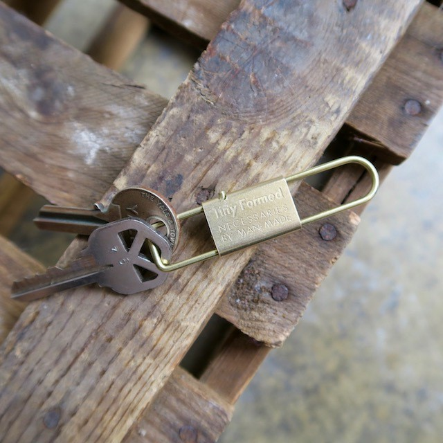 Tiny Formed Tiny metal key shackle キーシャックル