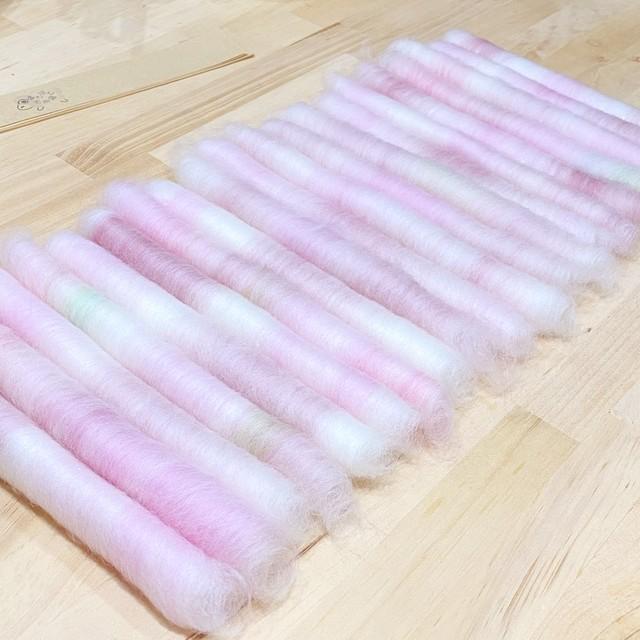OGY29) シルクウールローラグ緑 65g(染めシルク入り)手紡ぎ毛糸用ブレンド羊毛