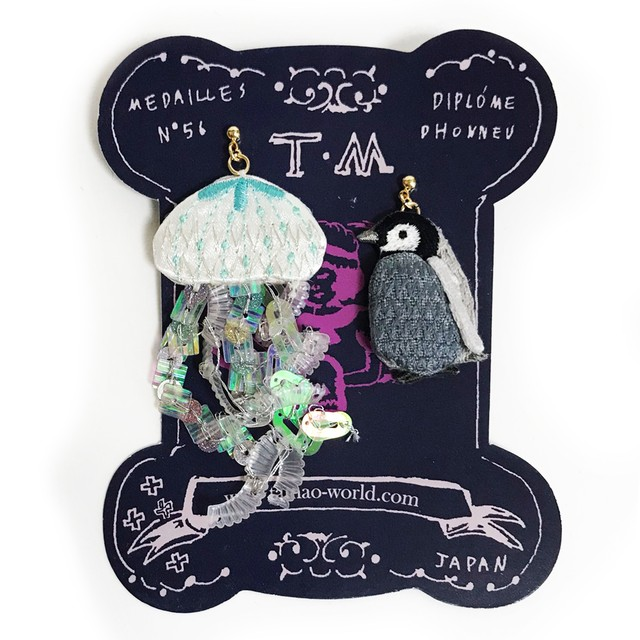 刺繍ピアス Jellyfish and child penguin
