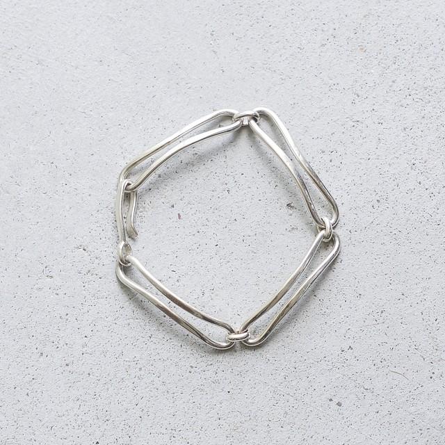 bent chain bracelet