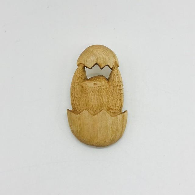 【トリノコ】 木のブローチ「とり(ひな)」