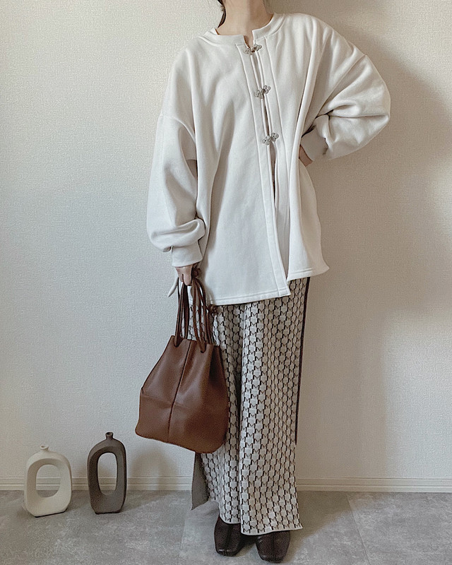 【beige】piping pattern pants