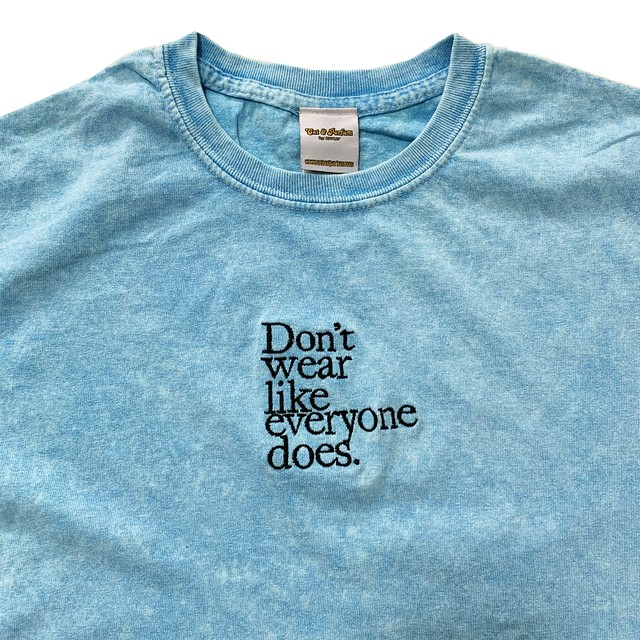 【Cat & Parfum】Don't wear like everyone does. Tie-dye & Embroidery Tee