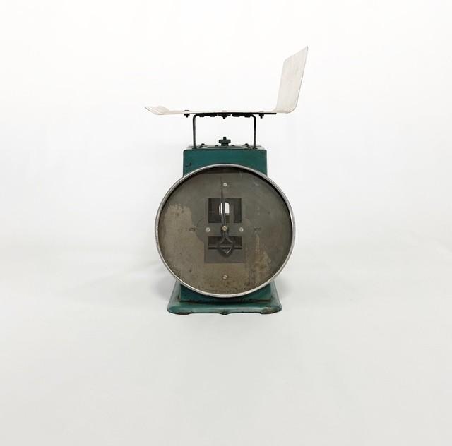 ハカリのオブジェ  object using the old scales