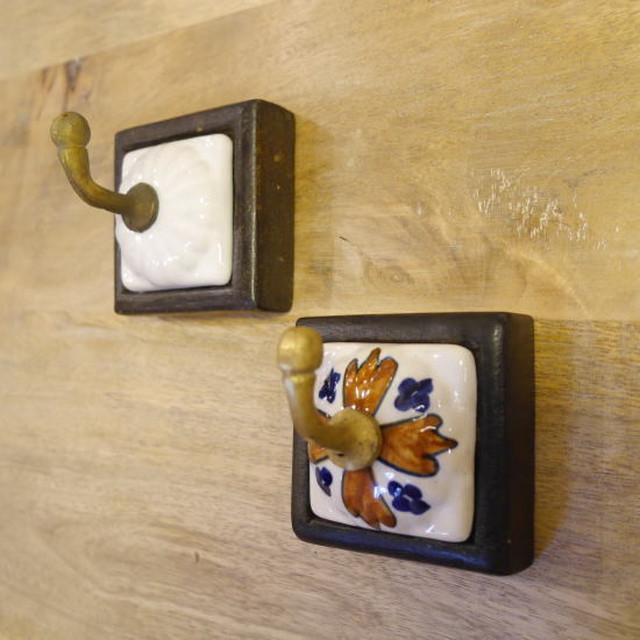 真鍮と陶器のフック 全2種