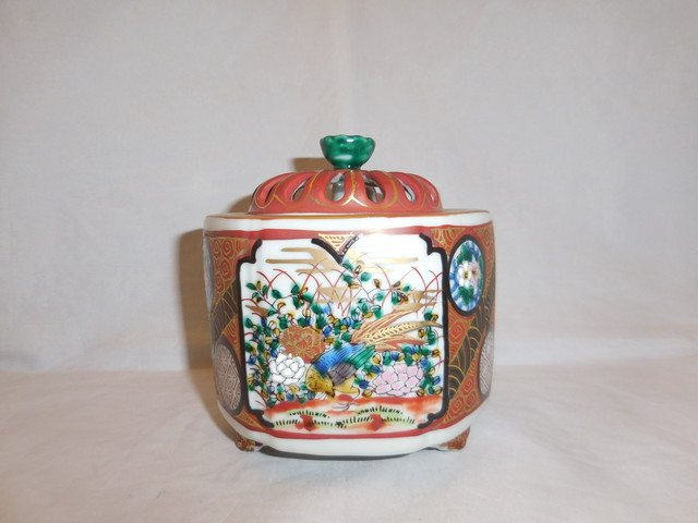 九谷庄三香炉 Kutani porcelain incense burner (Syouza kiln)(No19)