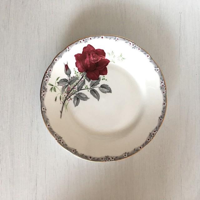 ROYAL STAFFORD Antique プレート/バラ