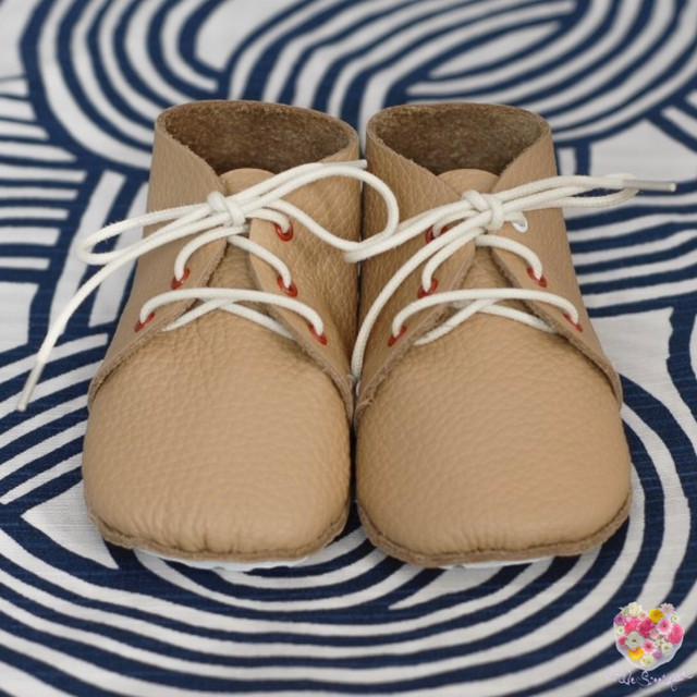 《First Baby Shoes》Model : MOLLIE ファーストシューズ手作りキット Fresh Champagne