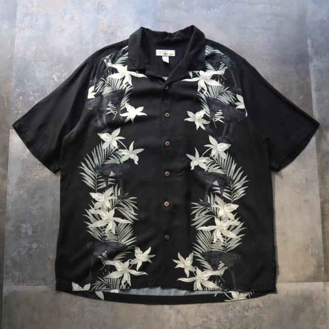 Black aloha line shirt