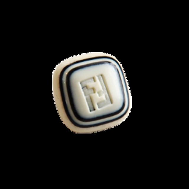 【VINTAGE FENDI BUTTON】ブラックスクエア FFロゴ ボタン