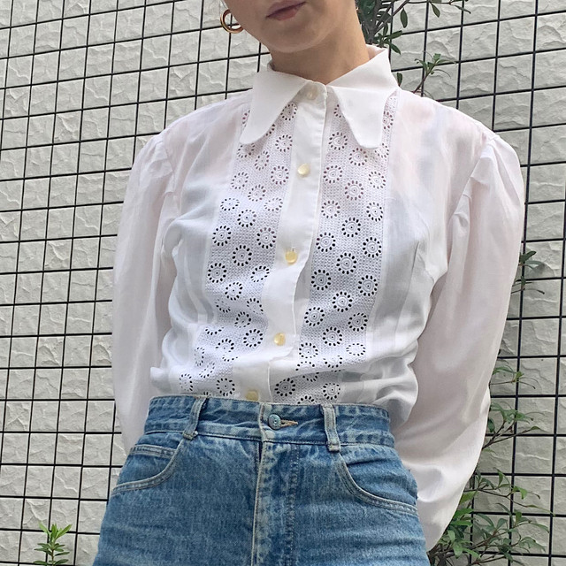 60's vintage white puff sleeve blouse with eyelet lace details