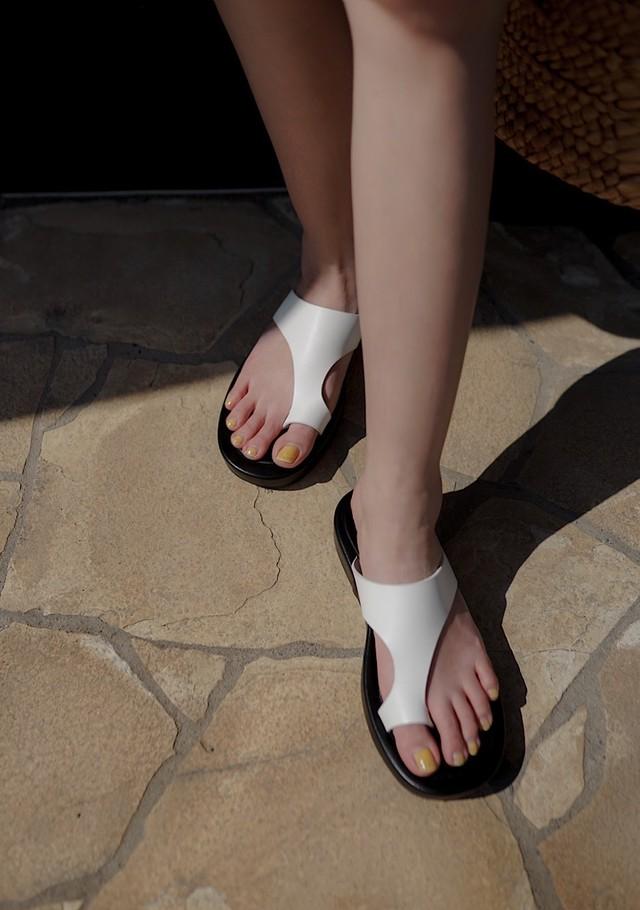bi-color volume sandal