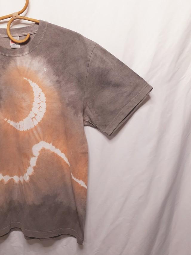 月と山のTシャツ(ベンガラ染め)
