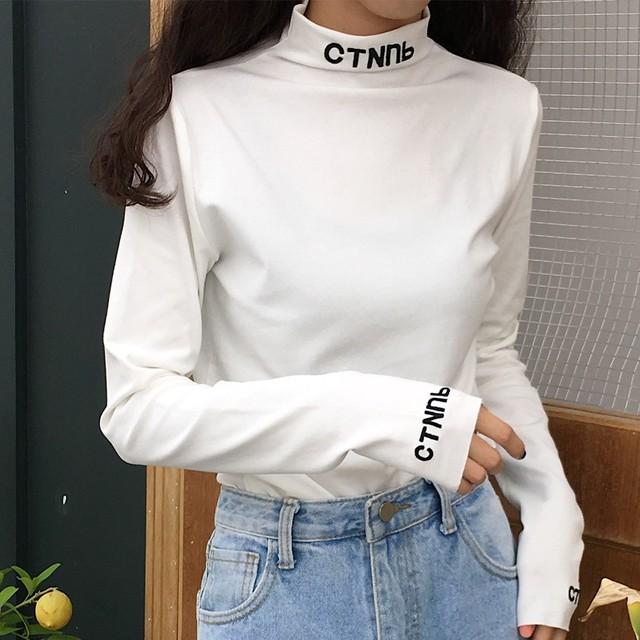 【トップス】アルファベットカジュアルハイネックプルオーバーTシャツ23951012