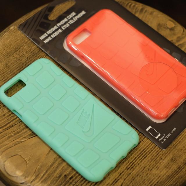 NIKE スニーカーソールモティーフ iPhoneカバー ローシタイプ