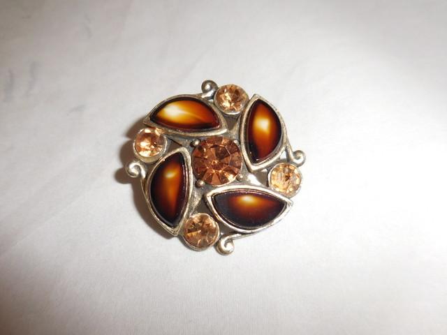 フランス製ブローチ(ビンテージ ) vintage brooch (made in France)