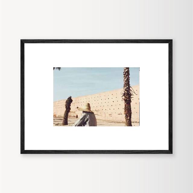 "MARIE BASTIDE / フォト+フレーム32cm×45 cm ""L'homme au chapeau """