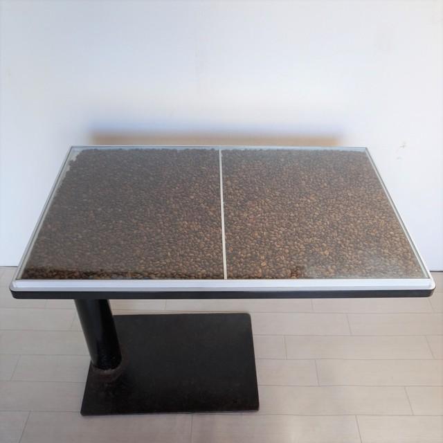 コーヒー豆テーブル2