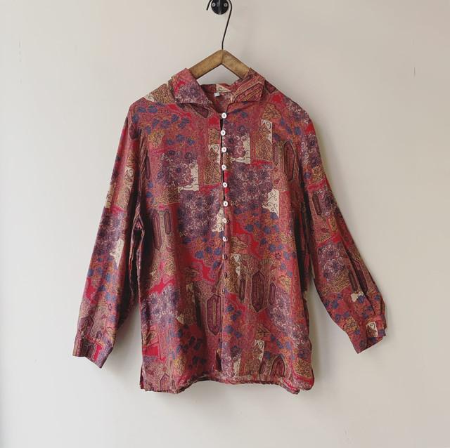 vintage button design blouse