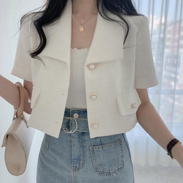 ホワイトショートジャケット