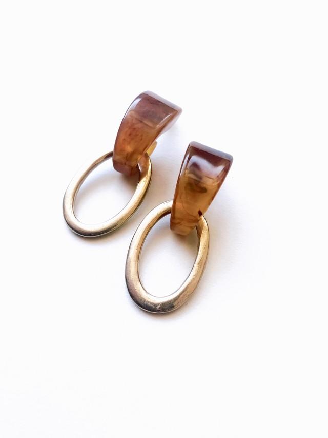 Bekko oval pierce (べっ甲 オーバルピアス)}