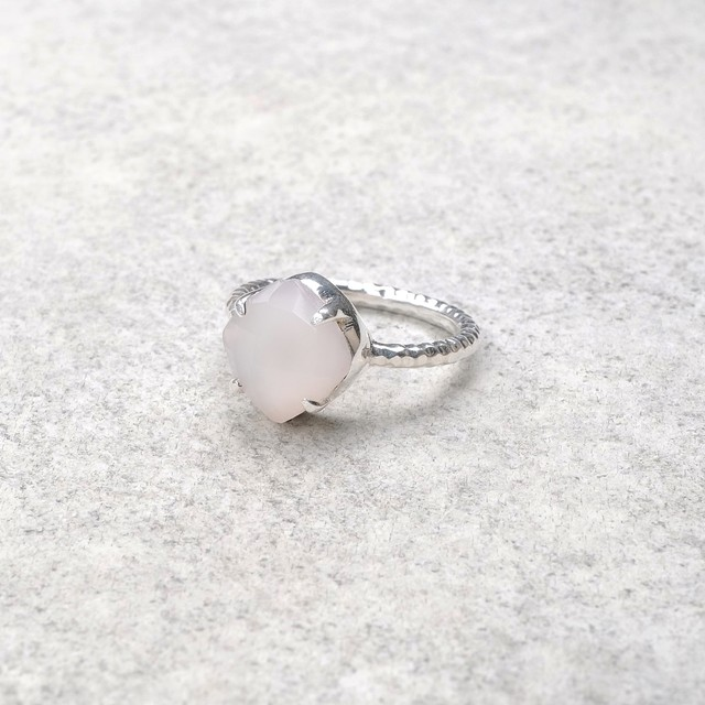 SINGLE STONE NON-ADJUSTABLE RING 103