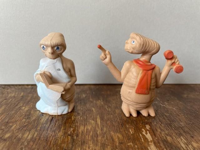 【アメリカ】E.T.の人形(オレンジのマフラー)