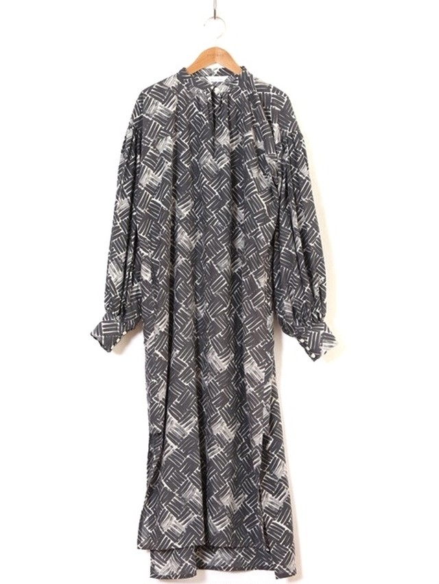 【HOLIDAY】SUNO&MORRISON KHADI SLIT DRESS