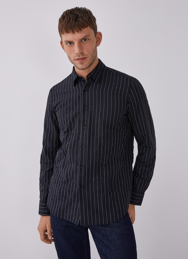 CONTRASTING STRIPED SHIRT