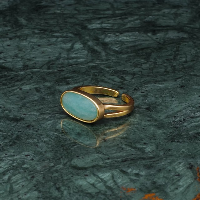 OVAL STONE RING GOLD