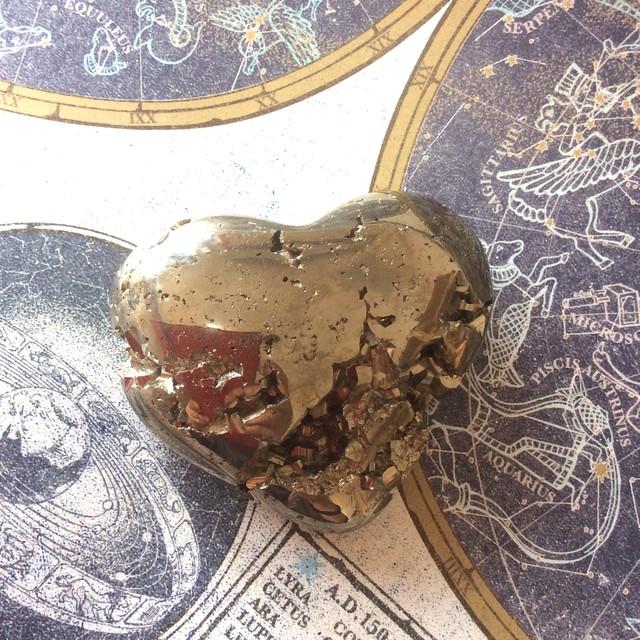 パイライト原石 ハート型
