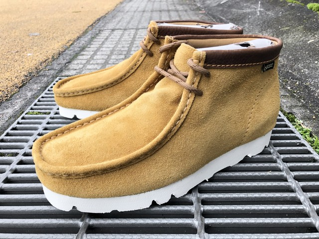 CLARKS ORIGINALS WALLABEE BOOT GORE-TEX (DARK OCHRE SUEDE)